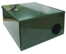 Ящик-укрытие для приманочной станции c ключом зеленого цвета
